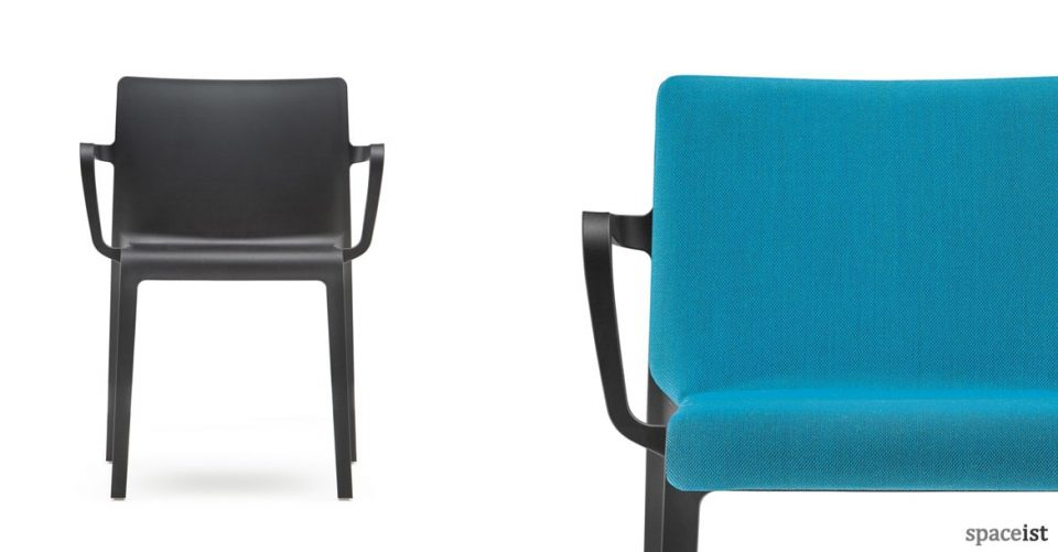 Volt meeting chair in black