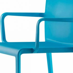 Volt blue meeting chair with armrests