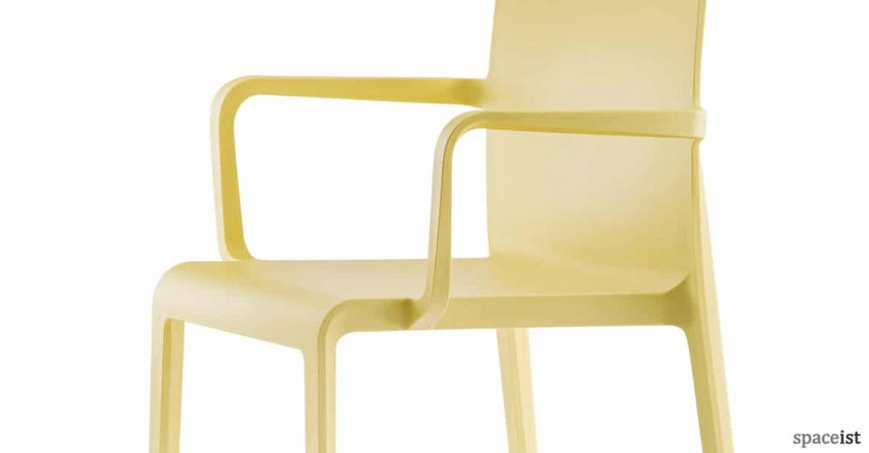 Volt chair with arms in yellow