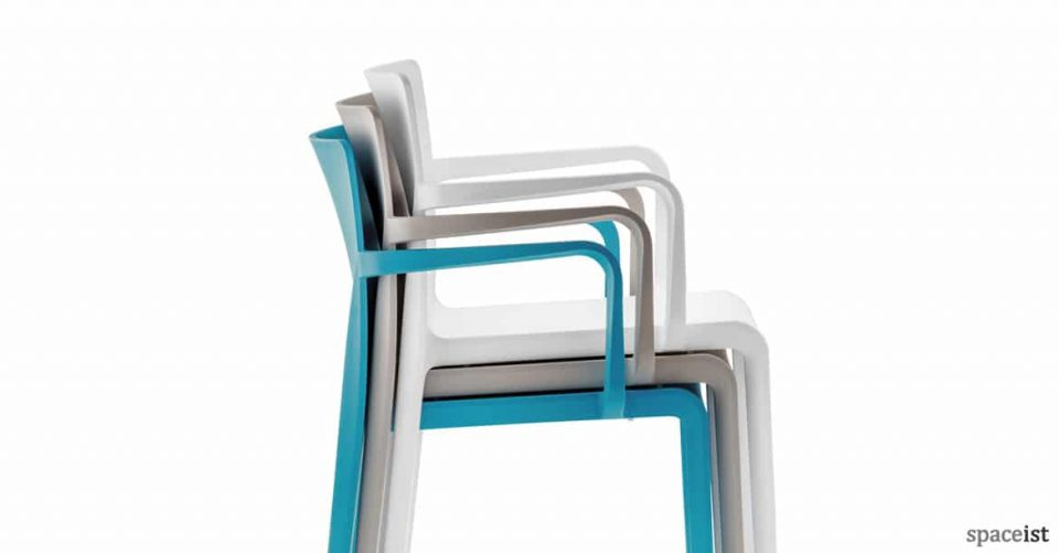 Volt stackable meeting chair