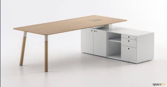 Woods excutive office desk in oak