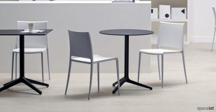 Ypsilon round cafe table in black
