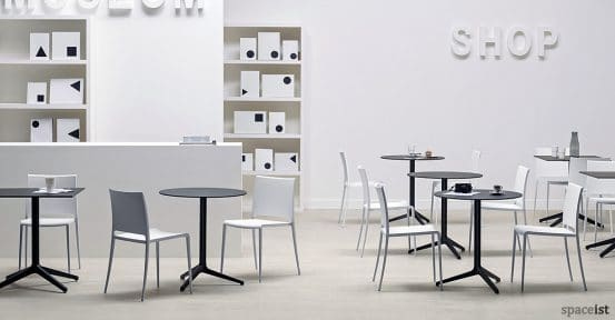 Ypsilon folding cafe table range