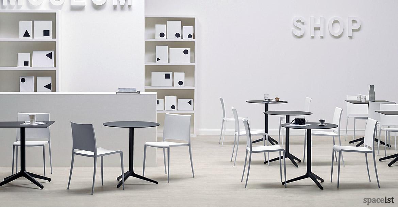 Bar furniture ypsilon high round tables for Table ypsilon