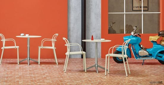 ypsilon polished aluminium cafe table