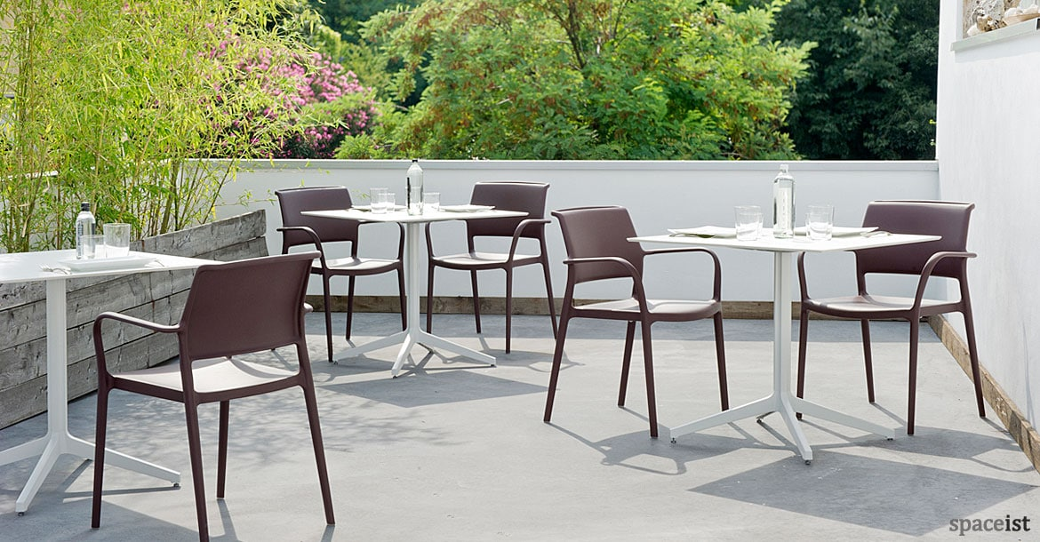 Superbe Ypsilon Large White Outdoor Cafe Table