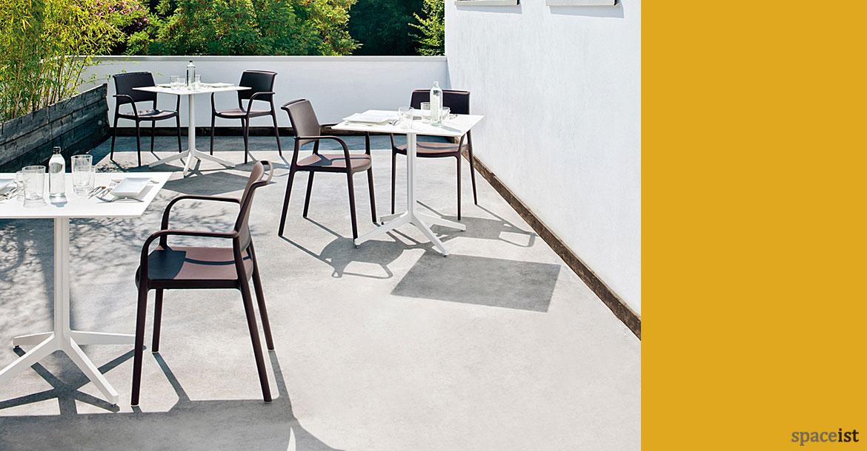 Square cafe tables ypsilon large table colours for Table ypsilon