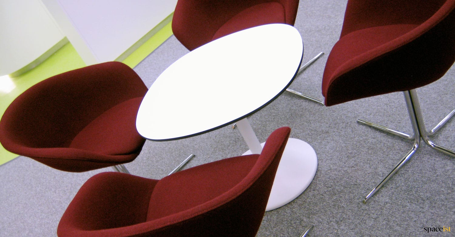 Spaceist-bank-tokyo-white-table