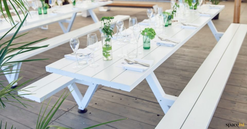 Indor picnic table in white