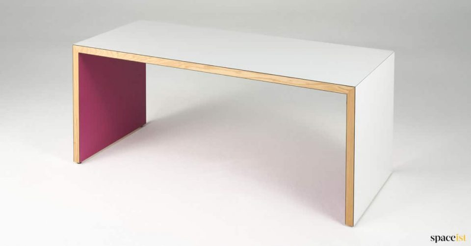 White + pink table