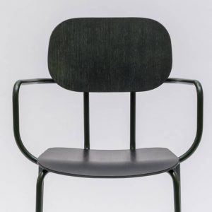 Meeting chair with armrests