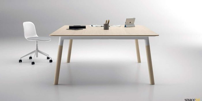 Square meeting table oak