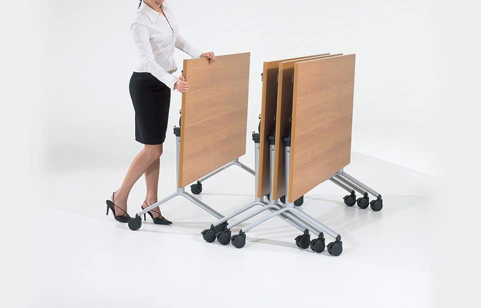Stacking table silver legs