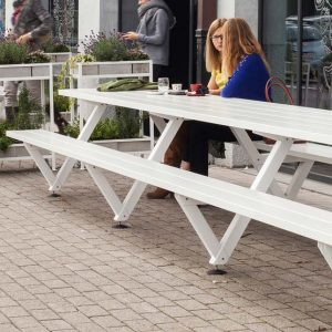 The right cafe seating for your restaurant
