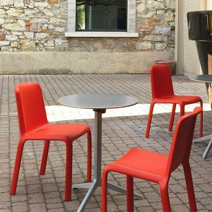 Why choose a round cafe table