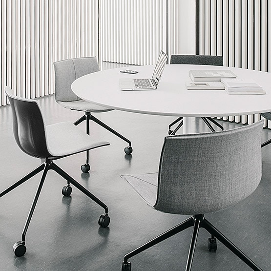 Round Meeting Table | Circular Office
