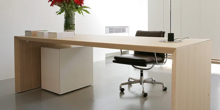 Modern oak venner executive desk