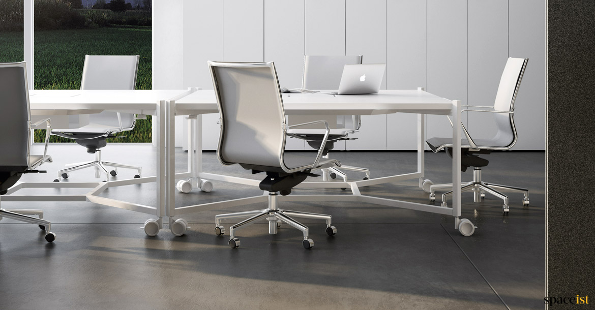 White fice Desks