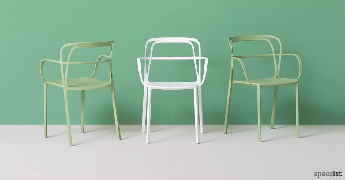 spaceist intrigo cafe chair