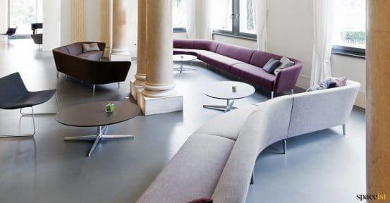 Modular S shaped hotel reception sofa