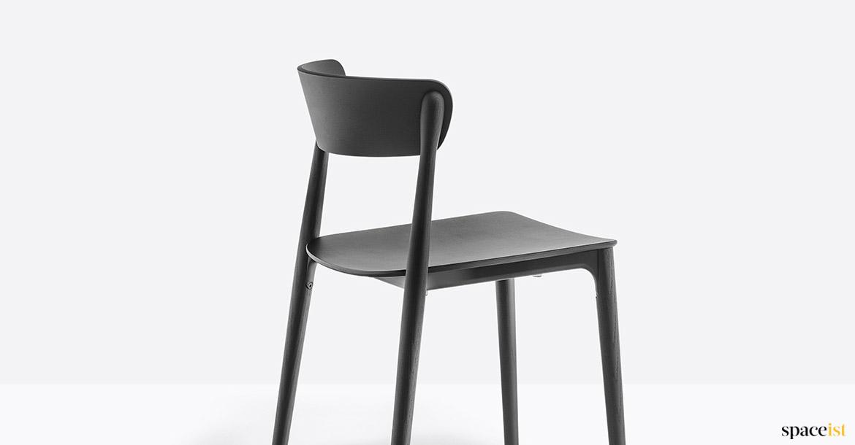 Merveilleux Spaceist Nemea Black Wood Chair Closeup
