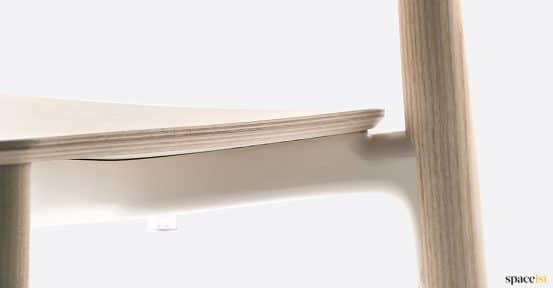 spaceist-nemea-wood-chair-closeup