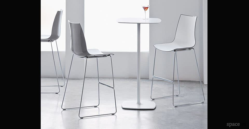 spaceist stylius white square high tables 3d chair