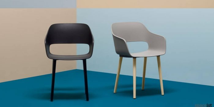 Babila black cafe chair with arms and wood leg