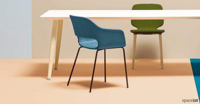 Babila blue meeting chair with a black leg