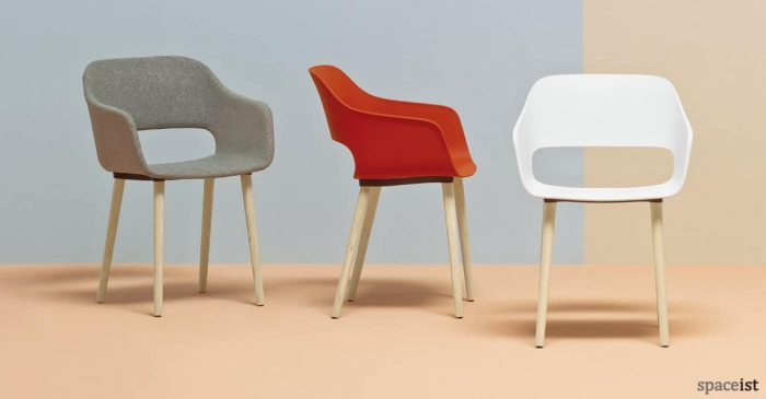 Babila red cafe chair with arms and wood leg