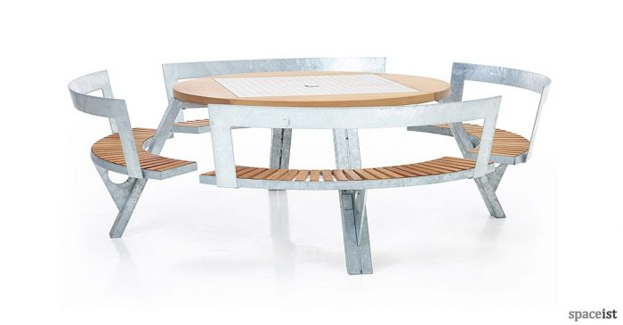 Gargantua large round picnic table with backrests