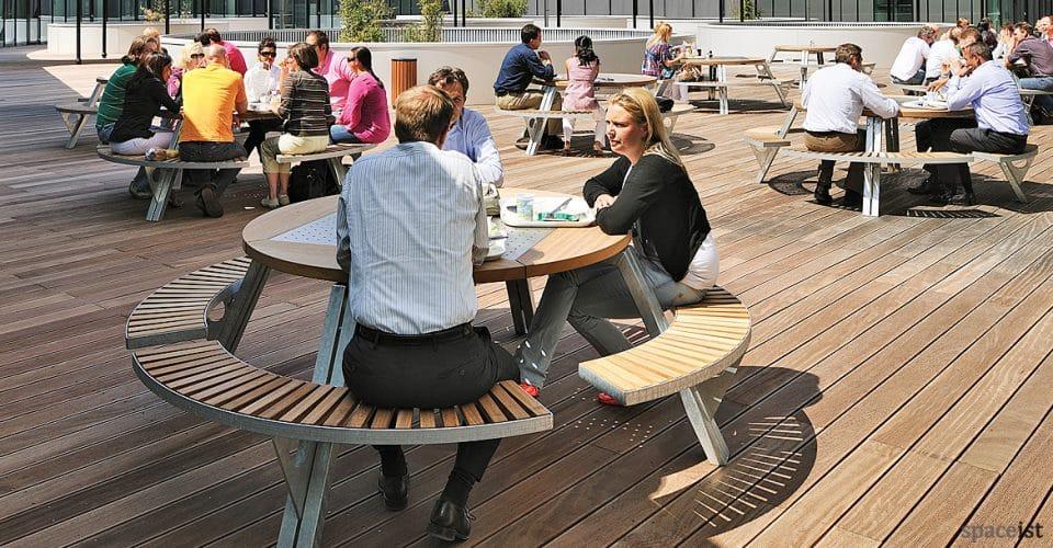 Gargantua large round picnic table outdoor