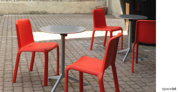 Snow red outdoor cafe tables and chairs