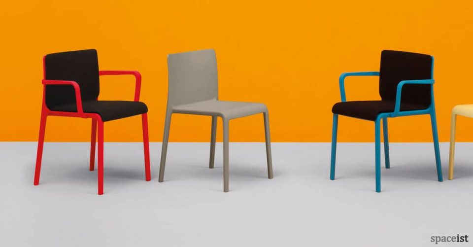 Volt meeting chair with black seat and red legs