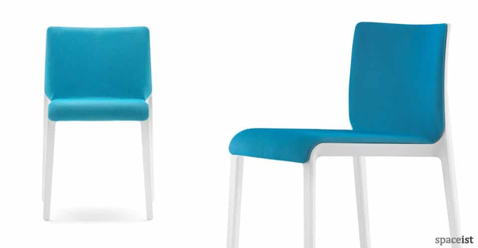 Volt meeting chair with blue seat and white legs