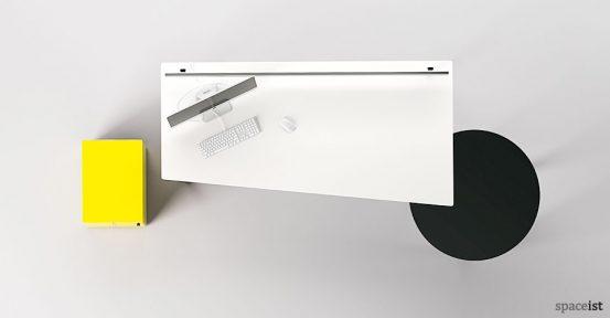 meta-desk-top-view