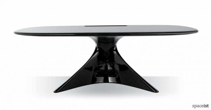 curvy zero black reception desk