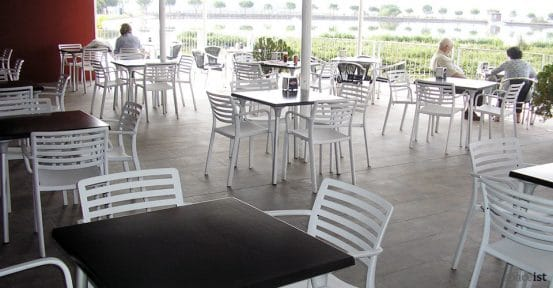 spaceist flash white indoor cafe table