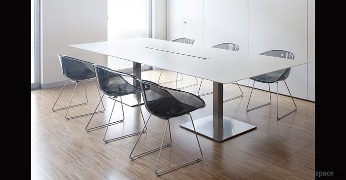 gliss tub meeting chairs