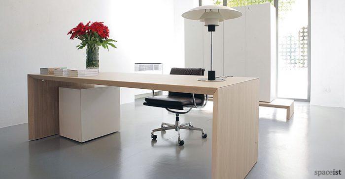 multipli oak executive desks