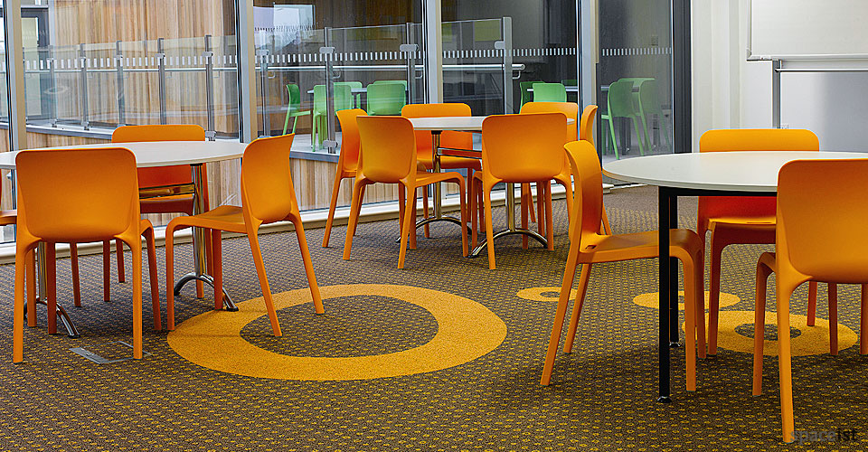 Outdoor cafe chairs pop chair