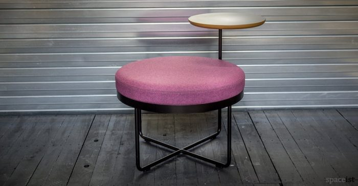 Shima reception seat with small round table