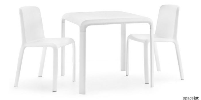 snow cafe chairs and table