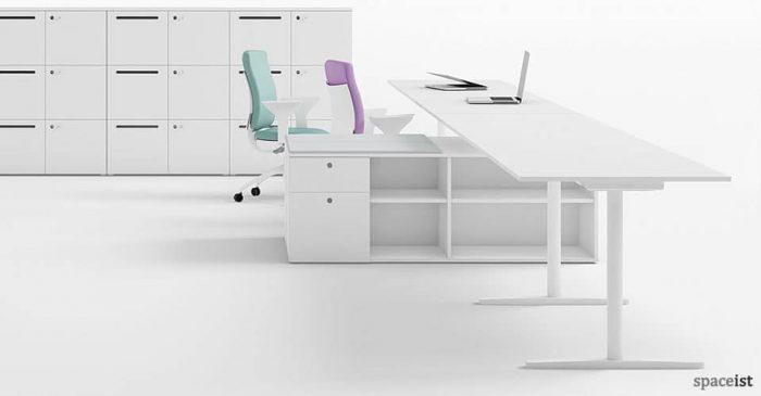 t-leg-white-office-desk-closeup