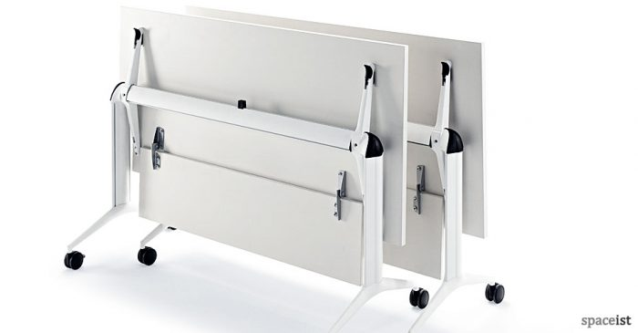 Tram80 folding table with modesty screen