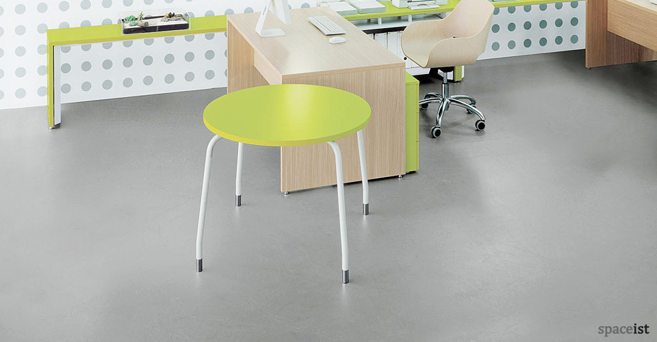 tre small meeting lime green tables