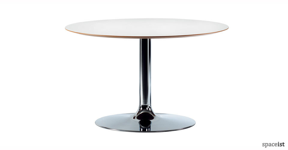 trumpet round white meeting tables
