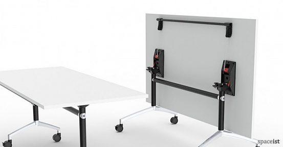 spaceist-ur-folding-table-closeup