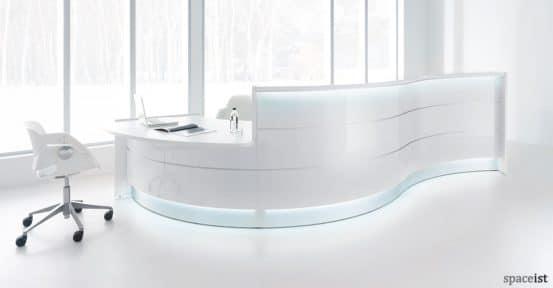 Valde wavy gloss white reception desk