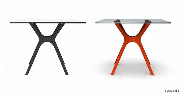 Vela red and black cafe table